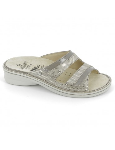 S110 - Sandal with...
